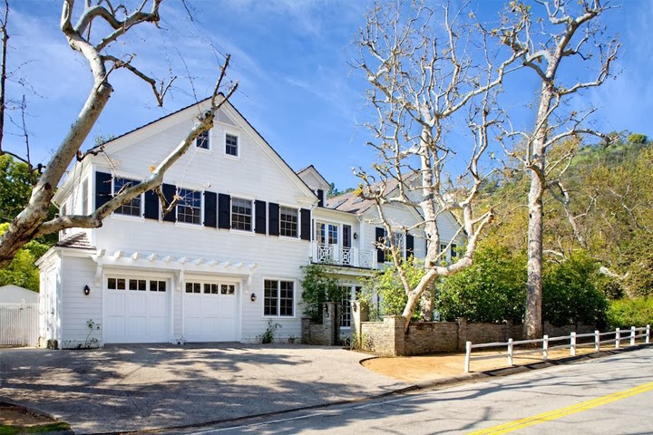 The real estalker freddie prinze jr and sarah michelle for Flipping houses in los angeles