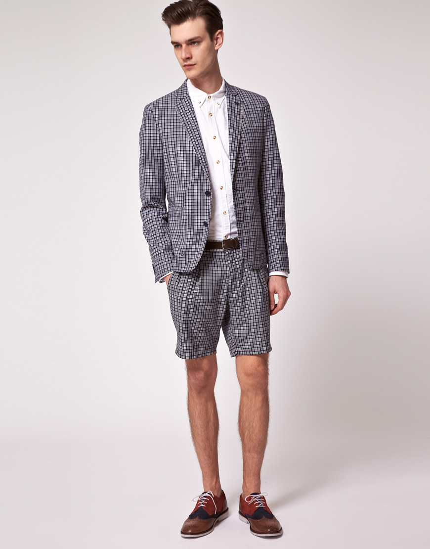A MAN OF STYLE!: 8 tips to dress up your bermuda shorts!