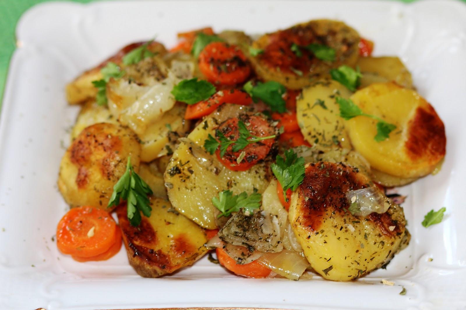 картошка с луком запеченная в духовке