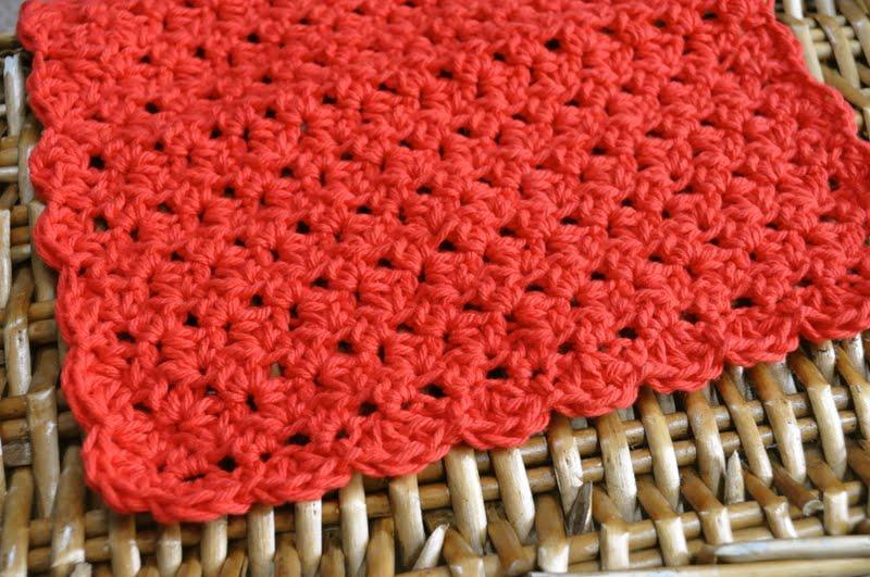 Crochet Dishcloth : back-to-school crocheted apple scrubbie and dishcloth {free pattern ...