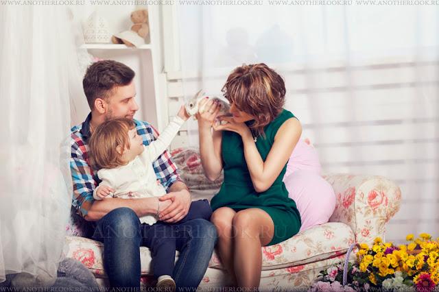 фотосессия семьей с кроликом