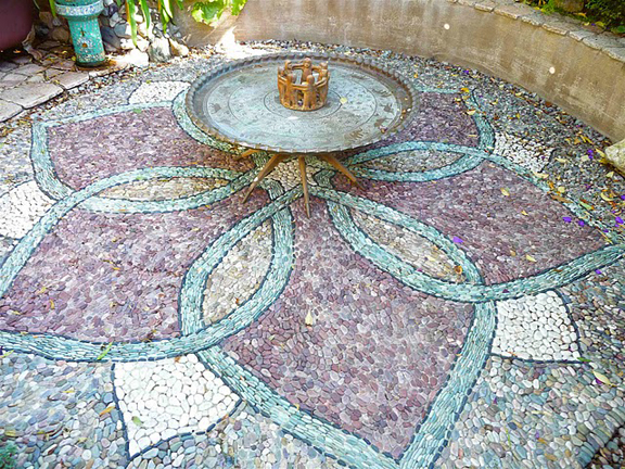 Mosaics by nicoleawilliams on pinterest mosaics mosaic for Garden mosaic designs