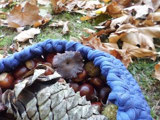 cesta con productos de otoño