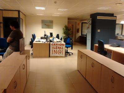 http://www.facebook.com/pages/Anarquistas/378066755607147 ,Anarquistas,Anarquía,Anarquismo,Anaquista,CNT AIT,CNT FAI ,trabajadores,trabajador,     Centro: Palacio, Embajadores, Cortes, Justicia, Universidad, Sol.     Arganzuela: Imperial, Acacias, La Chopera, Legazpi, Delicias, Palos de Moguer, Atocha.     Retiro: Pacífico, Adelfas, Estrella, Ibiza, Jerónimos, Niño Jesús.     Salamanca: Recoletos, Goya, Fuente del Berro, Guindalera, Lista, Castellana.     Chamartín: El Viso, Prosperidad, Ciudad Jardín, Hispanoamérica, Nueva España, Castilla.     Tetuán-Valdeacederas: Bellas Vistas, Cuatro Caminos, Castillejos, Almenara, Valdeacederas, Berruguete.     Chamberí: Gaztambide, Arapiles, Trafalgar, Almagro, Vallehermoso, Ríos Rosas.     Fuencarral-El Pardo: El Pardo, Fuentelarreina, Peñagrande, Barrio del Pilar, La Paz, Valverde, Mirasierra, El Goloso.     Moncloa-Aravaca: Casa de Campo, Argüelles, Ciudad Universitaria, Valdezarza, Valdemarín, El Plantío, Aravaca.     Latina: Los Cármenes, Puerta del Ángel, Lucero, Aluche, Las Águilas, Campamento.     Carabanchel: Comillas, Opañel, San Isidro, Vista Alegre, Puerta Bonita, Buenavista, Abrantes.     Usera: Orcasitas, Orcasur, San Fermín, Almendrales, Moscardó, Zofío, Pradolongo.     Puente de Vallecas: Entrevías, San Diego, Palomeras Bajas, Palomeras Sureste, Portazgo, Numancia.     Moratalaz: Pavones, Horcajo, Marroquina, Media Legua, Fontarrón, Vinateros.     Ciudad Lineal: Ventas, Pueblo Nuevo, Quintana, La Concepción, San Pascual, San Juan Bautista, Colina, Atalaya, Costillares.     Hortaleza: Palomas, Valdefuentes, Canillas, Pinar del Rey, Apóstol Santiago, Piovera.     Villaverde: San Andrés, San Cristóbal, Butarque, Los Rosales, Los Ángeles.     Villa de Vallecas: Casco Histórico de Vallecas , Santa Eugenia.     Vicálvaro: Casco Histórico de Vicálvaro, Ambroz, Valdebernardo, Valderribas     San Blas: Simancas, Hellín, Amposta, Arcos, Rosas, Rejas, Canillejas, Salvador.     Barajas: Alameda de Osuna, Aeropuerto, Casco