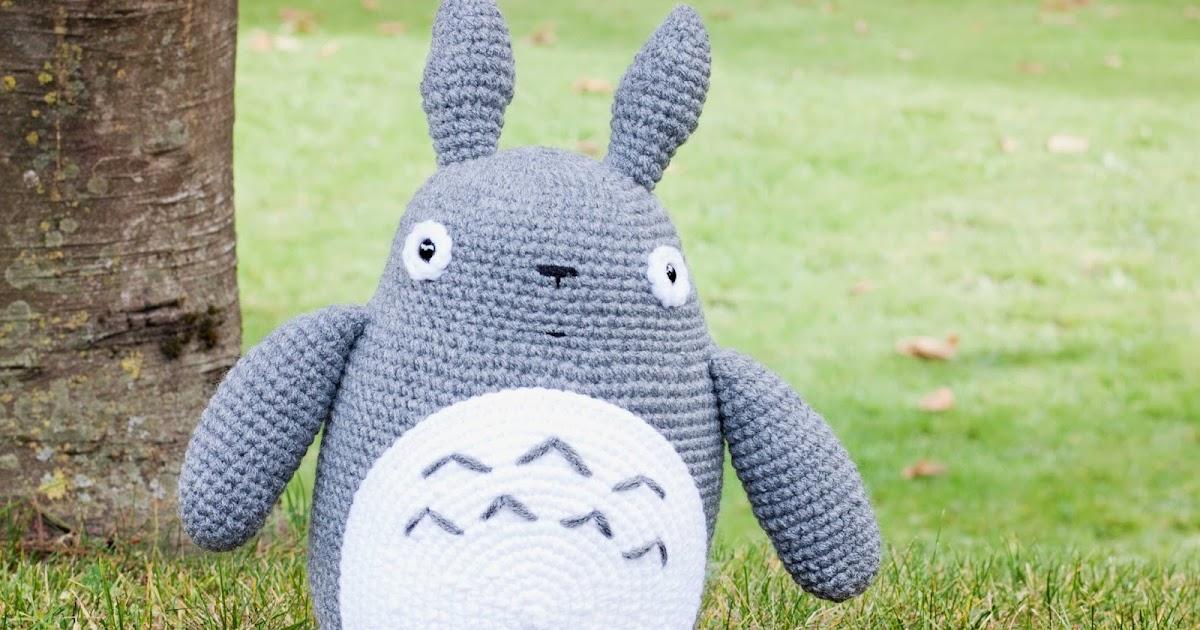 Amigurumis Totoro Patron : Mis pequicosas paseando por el bot�nico