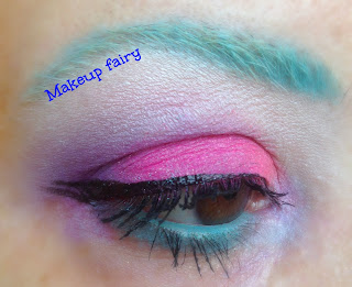 eye makeup look daisy duck disney