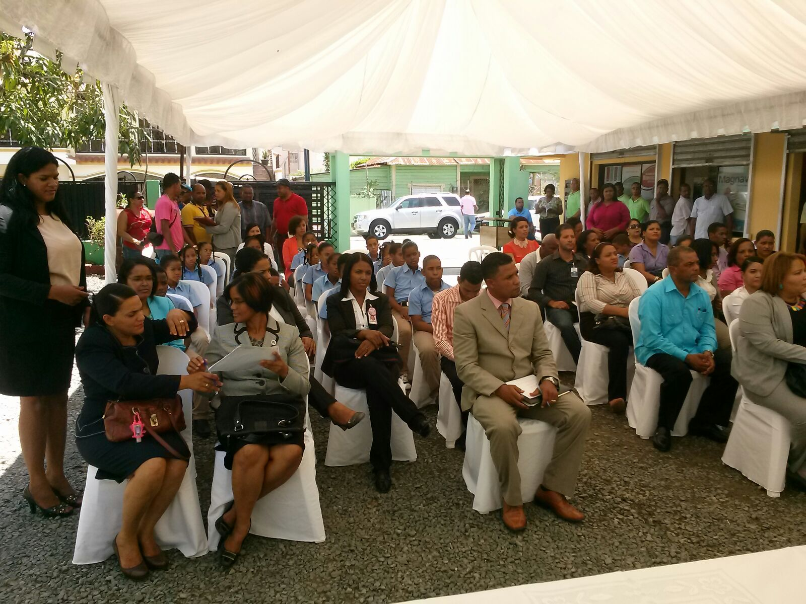 Atacando inaugurada oficina municipal del conani en for Oficina municipal del taxi