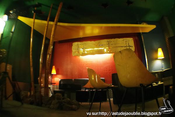 Valence - Oasis Café  Décorateur: C. Martin  Création: 1959