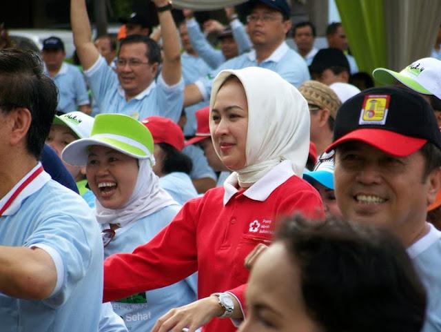 Kumpulan Foto Skandal Airin Rachmi Dian, Walikota Tanggerang