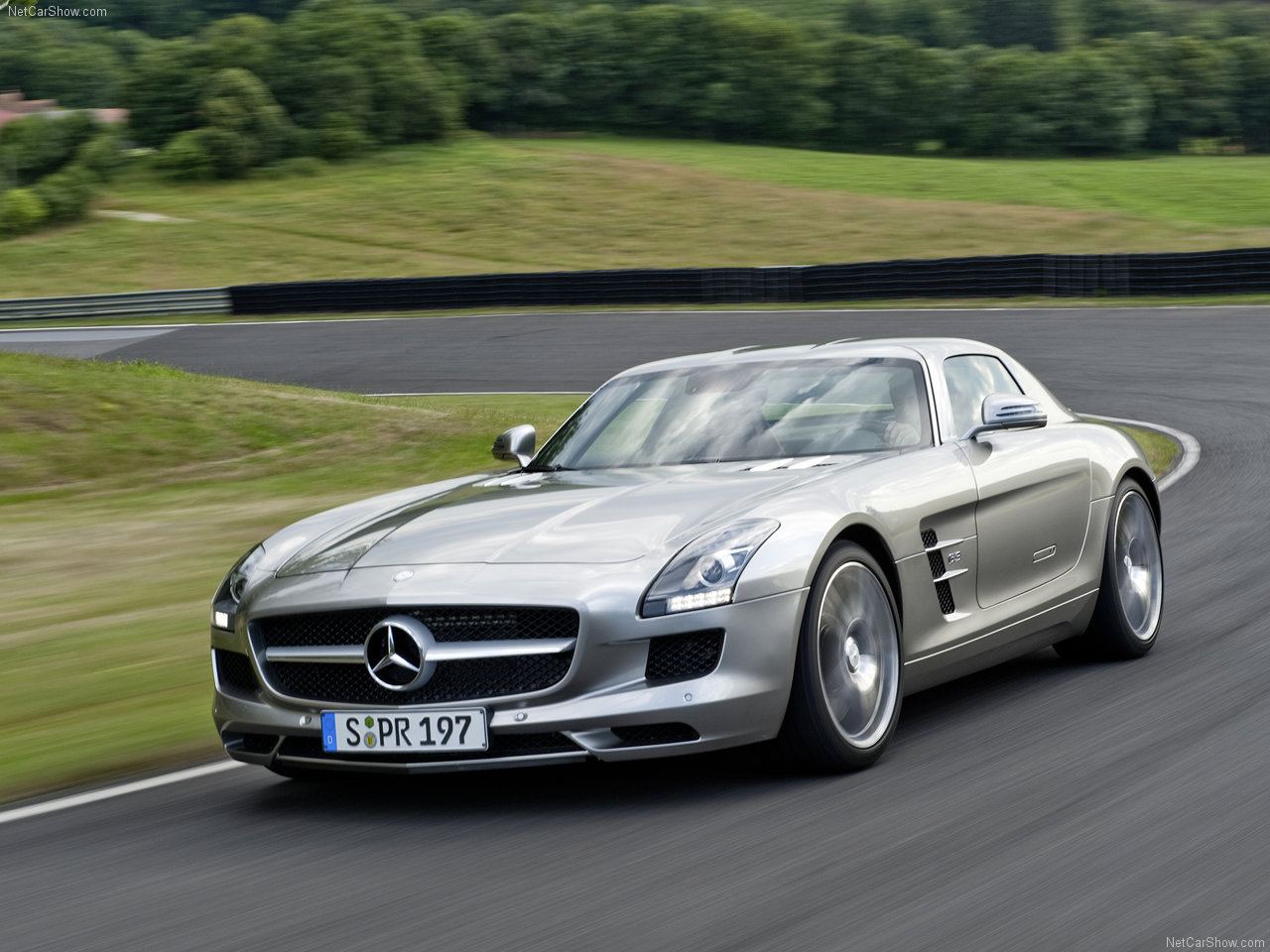 Wallpapers hd for mac mercedes benz sls e63 amg wallpaper for Mercedes benz amg 6 3