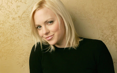 Anna Faris Bold and Beautiful style wallpaper