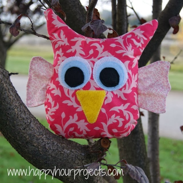 http://happyhourprojects.com/owl-stuffie/
