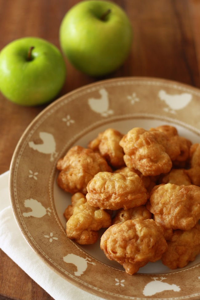 Apple Fritters with Lemon Sauce recipe by SeasonWithSpice.com
