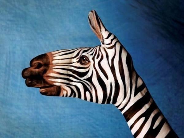 seni melukis tangan yang keren dan kreatif-13