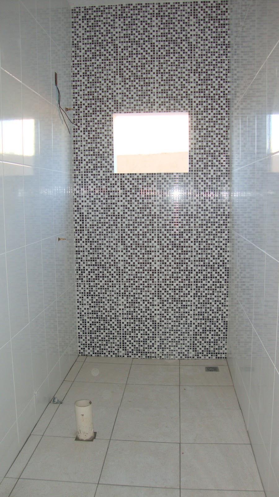 Odisseia Habitacional Revestimento dos banheiros colocados! -> Banheiro Com Revestimento Que Imita Pastilha
