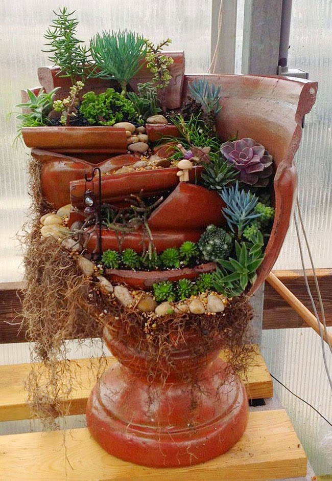 Broken pots turned into beautiful fairy gardens my99post for Garden designs with pots