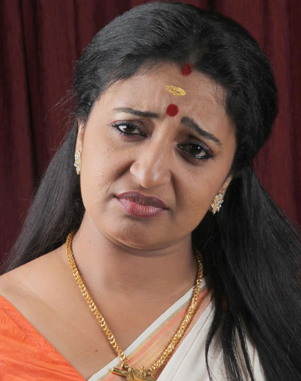 Hot Indian Actress Sona Nair Malayalam Serial Pictures