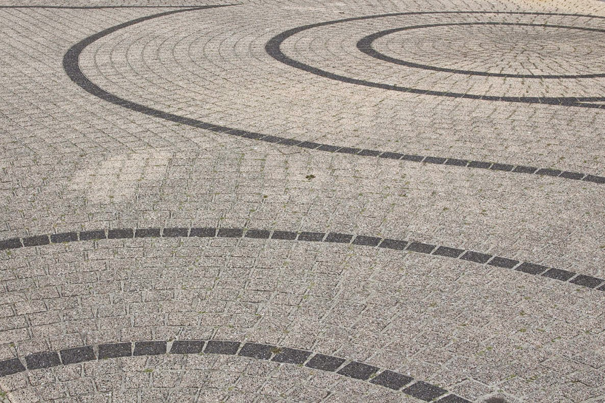 circles in pavement