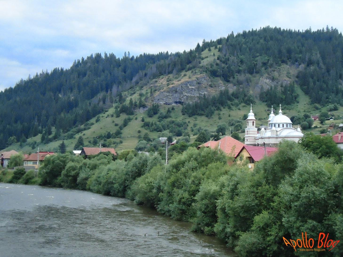 Biserica Mestera