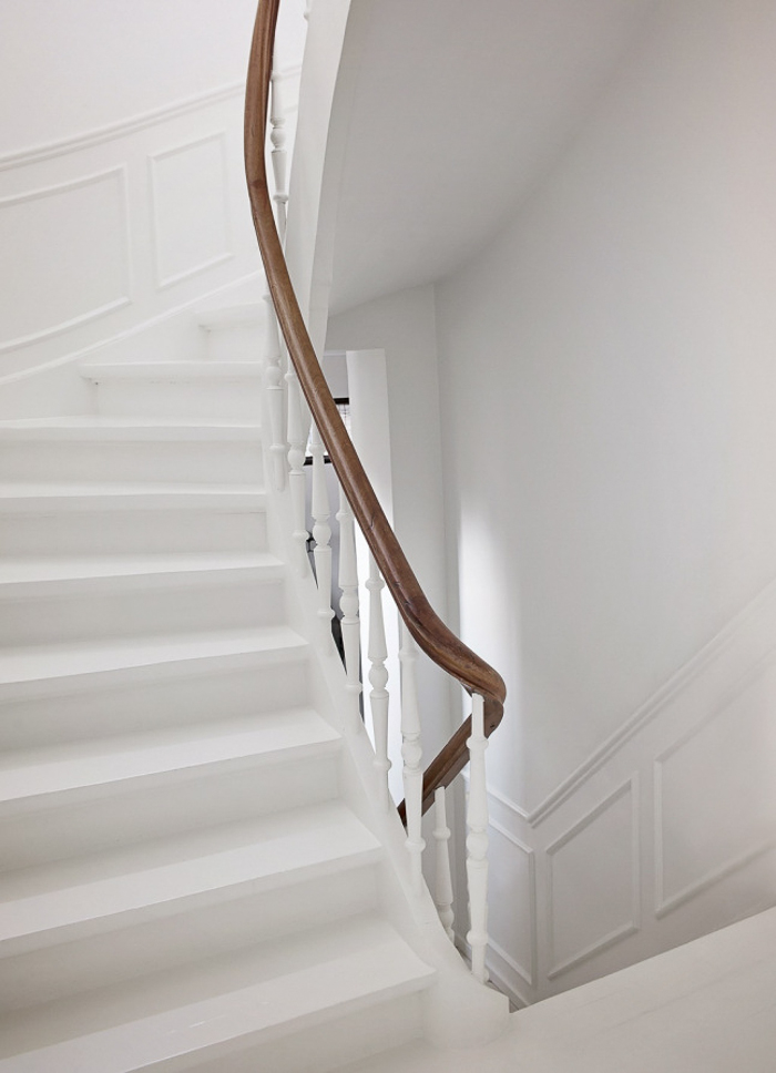 Deco iceland style with or without shoes blog - Escaleras blancas ...