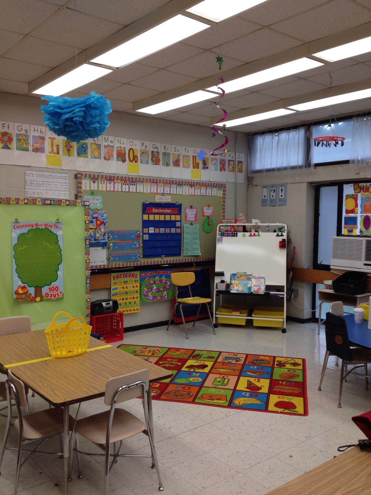 Classroom Space Decor ~ What s working this year in second how to make a small