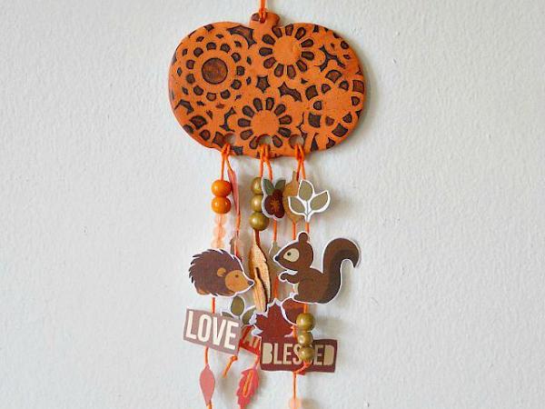 DIY Pumpkin Dreamcatcher for Fall