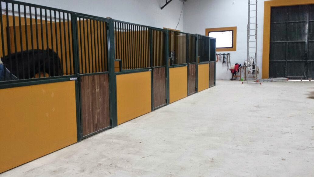 Venta de boxes para caballos prefabricados placa - Locales prefabricados ...