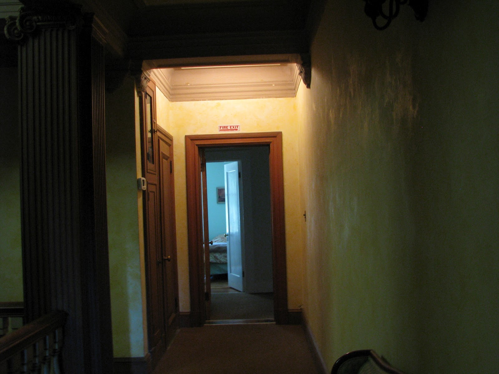 Tarot paths explore fortune telling and haunted houses for Haunted house hallway ideas