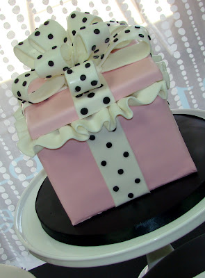 Sweet Cakes by Rebecca - pink present box cake with polka dot bow