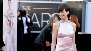 Anne Hathaway wins best supporting actress, Anne Hatthaway nipples