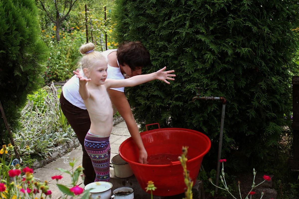 garden, exploring, summer activities