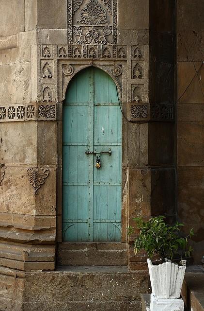 Maison de ballard when one door closes beautiful doors for Rachel s fairy doors