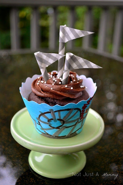 Back to school Bella Cupcake Couture blog party amusement park cupcake