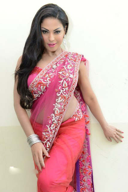 Hot Veena Malik Photos
