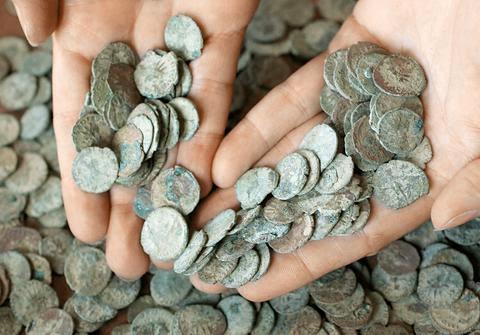 Κίβδηλο νόμισμα «δείχνει» παραχαράκτες στην Αθήνα