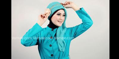 5 Step Mudah Cara Menggunakan Hijab Segi Empat Senada Tampil Mempesona