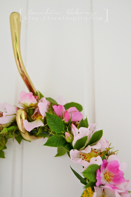 dog roses, wild dog roses, midsummer, midsummer halo, midsummer wreath, wreath, centerpiece