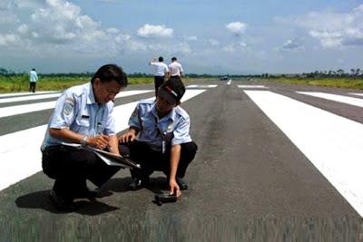 Runway Bandara Notohadinegoro, Jember, Jawa Timur. ZonaAero