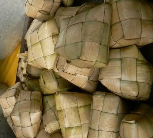 LEBARAN How to Weave  Hari Raya ketupat tutorial recraft reuse paper magazine from ribbon recycle