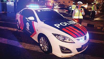 Acara Malam Tahun Baru Polisi Menyala