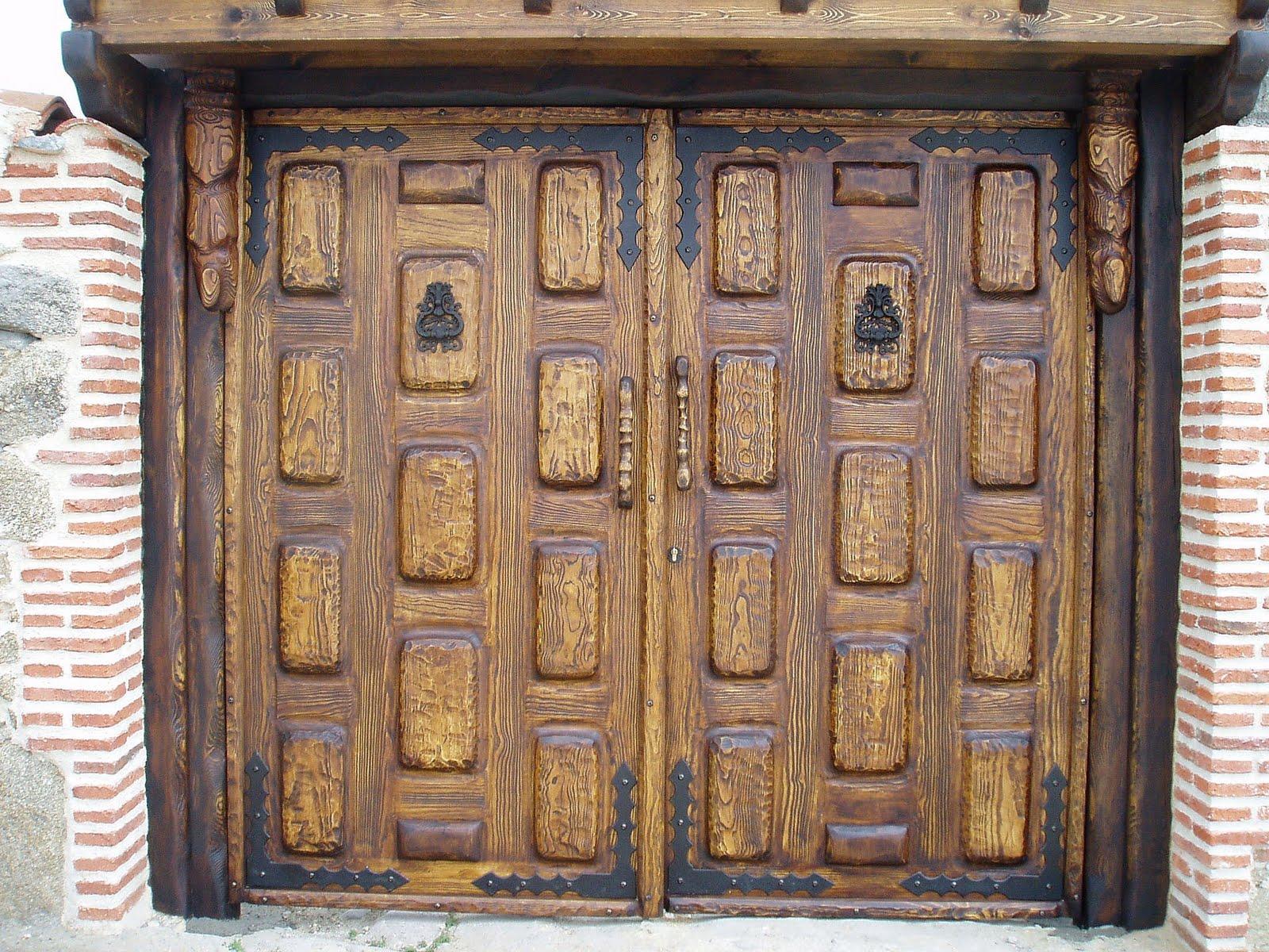 Puertas y portones de madera para exterior pelautscom for Puertas de madera para exterior