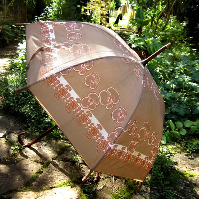 Old things - Vintage - parapluie - http://spicerabbits.blogspot.fr/