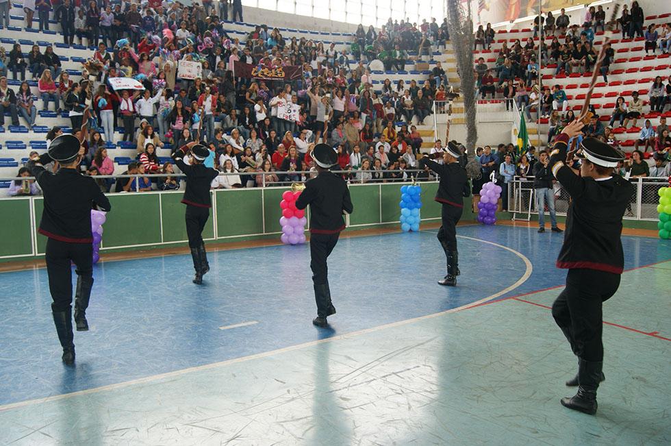 O Corpo Coreográfico do C. E. Beatriz Silva levantou a plateia