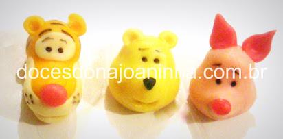 Doces modelados dos personagens Ursinho Pooh, Leitãozinho e Tigrão