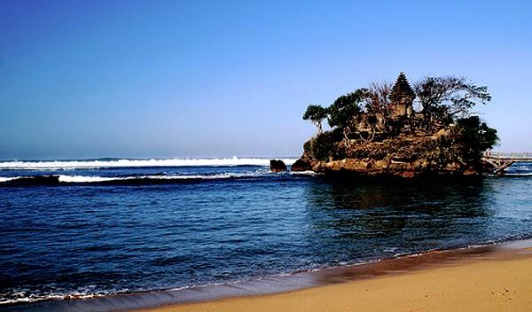 Pantai Balekambang, Tanah Lotnya Malang