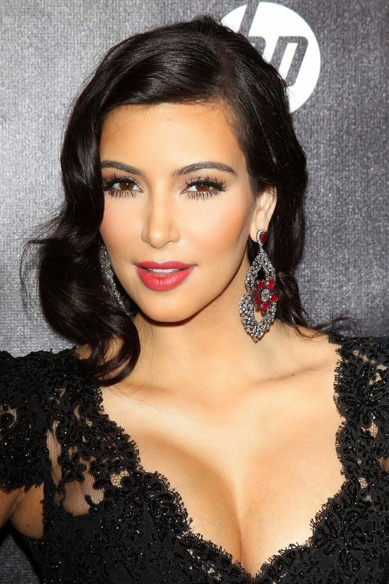 Celebrity Hairstyles: Kim Kardashian Hairstyles picture