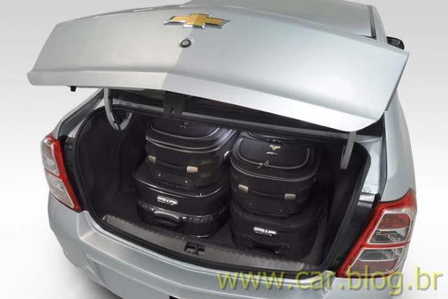 Novo Chevrolet Cobalt 2012 - porta-malas
