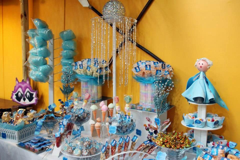 Mesa de dulces y botanas, Elsa Frozen - okmira