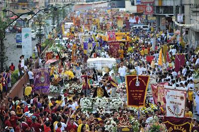 Replica of Black Nazarene take part in procession