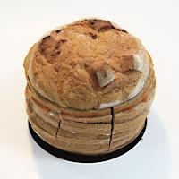 Круглый хлеб-сюрприз